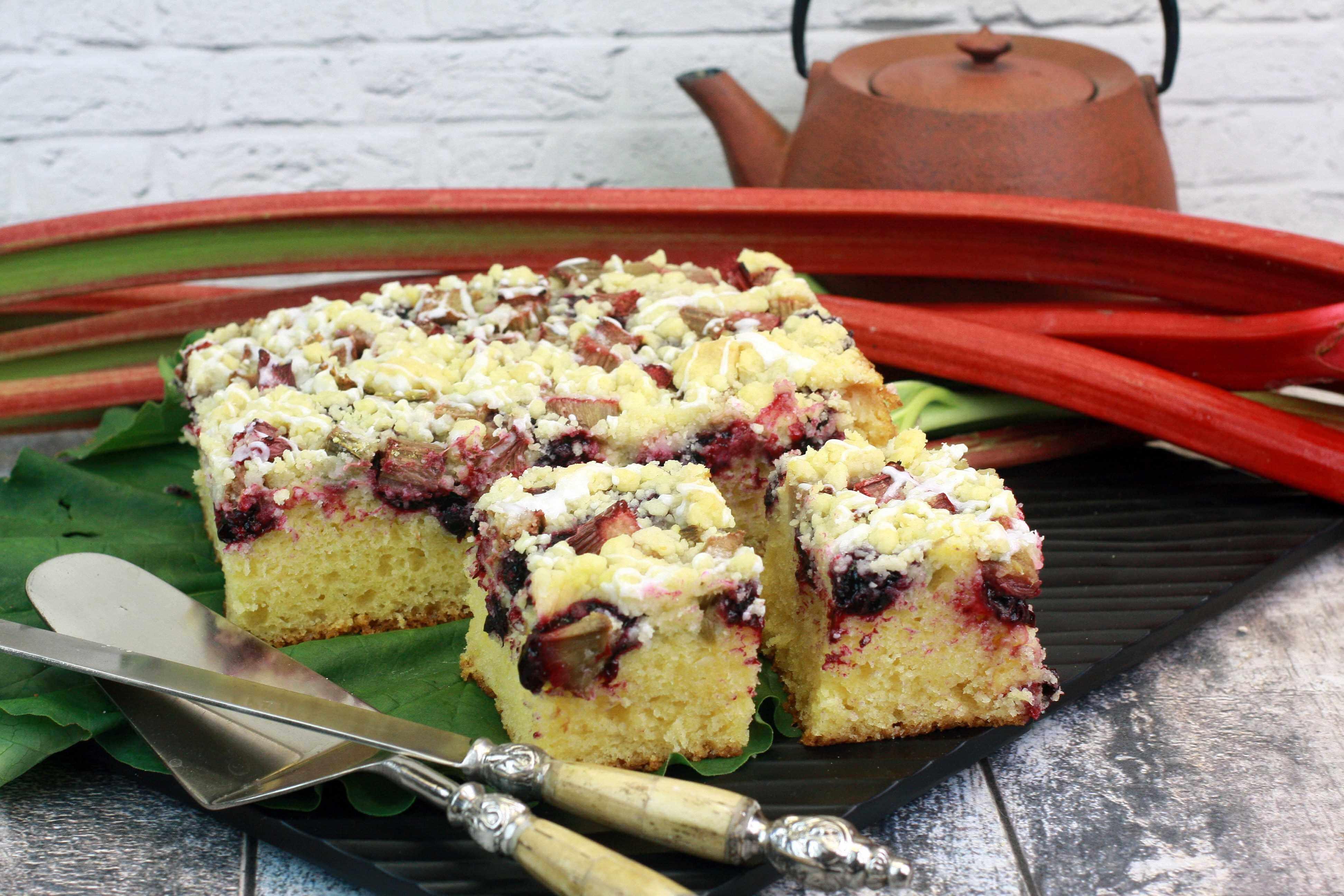 Ciasto domowe z rabarbarem